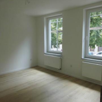 Großzügige frisch sanierte Drei- Zimmerwohnung, 47798 Krefeld, Etagenwohnung