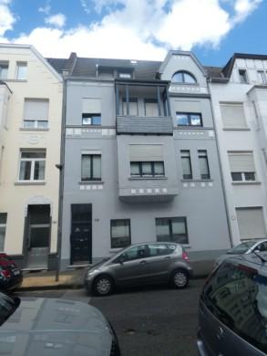 Charmante Altbauwohnung mit Küche und Balkon, 47800 Krefeld, Etagenwohnung