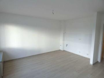 DG Wohnung mit zwei Balkonen nah am Zentrum, 47799 Krefeld, Dachgeschosswohnung