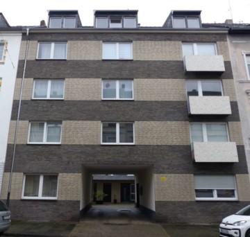*BRINGEN SIE IHR GELD IN SICHERHEIT! Mehrfamilienhaus in zentraler Lage von Krefeld*, 47798 Krefeld, Mehrfamilienhaus